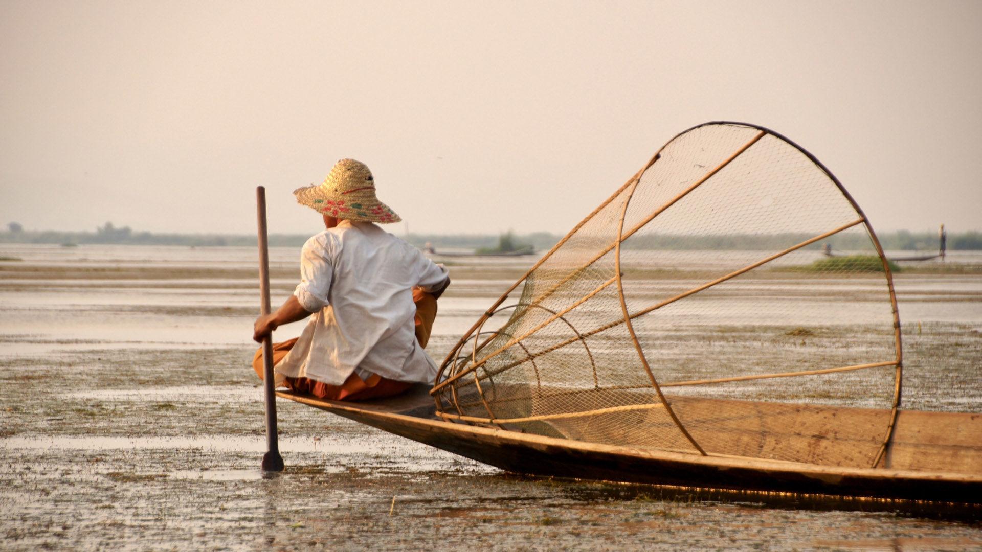 dating Myanmar dame gode Internett dating beskrivelser