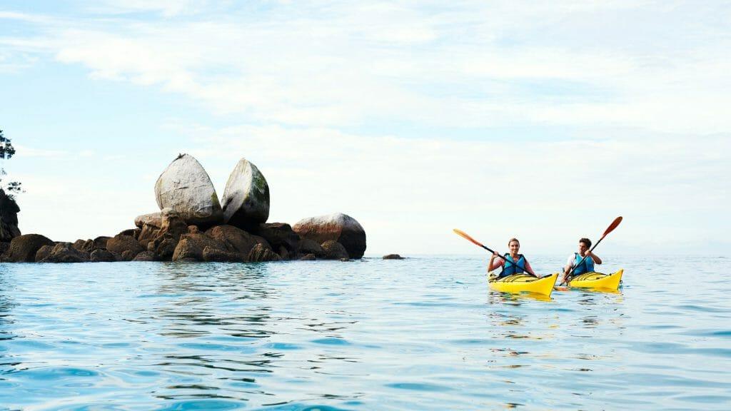 Kayaking, Abel Tasman, Split Apple Rock, New Zealand