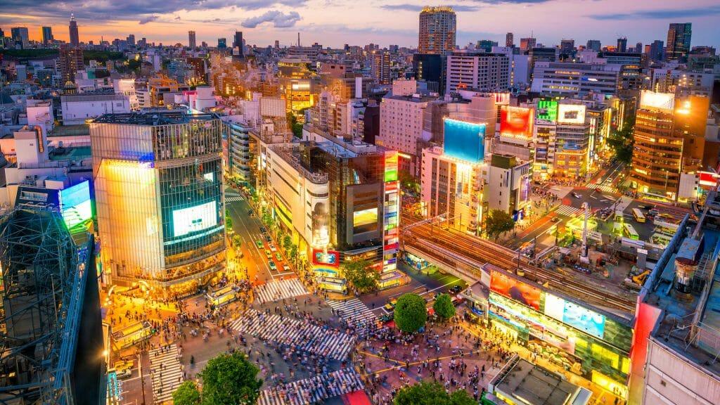 Shibuya crossing at twilight, Tokyo, Japan