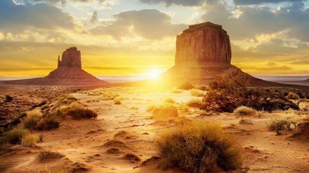 Sisters Rocks, Monument Valley National Park, Utah, USA