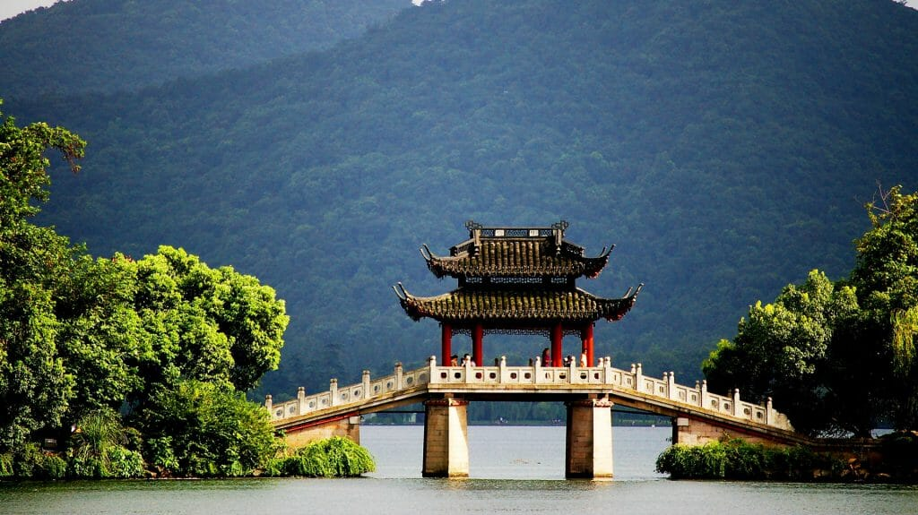 Pavillion Bridge at West Lake, Hangzhou, China