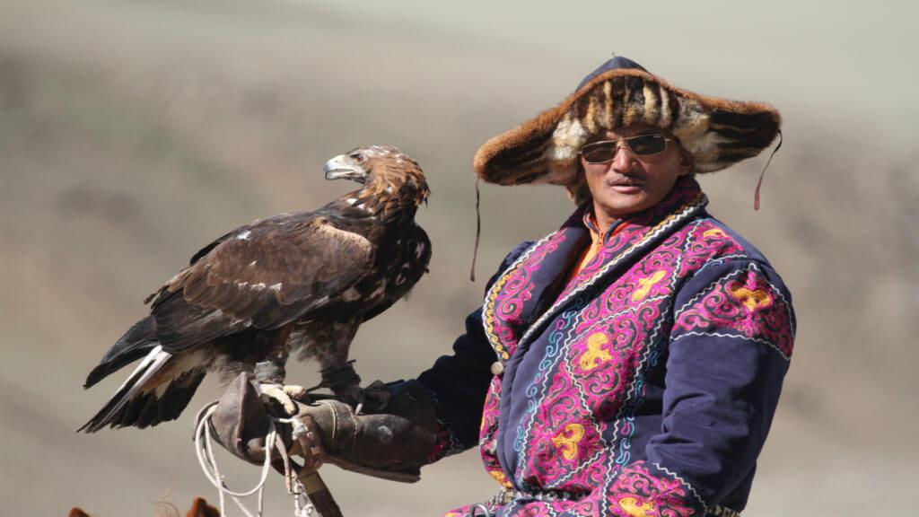Yerbol, eagle hunter, Mongolia, Altai, Mike Unwin