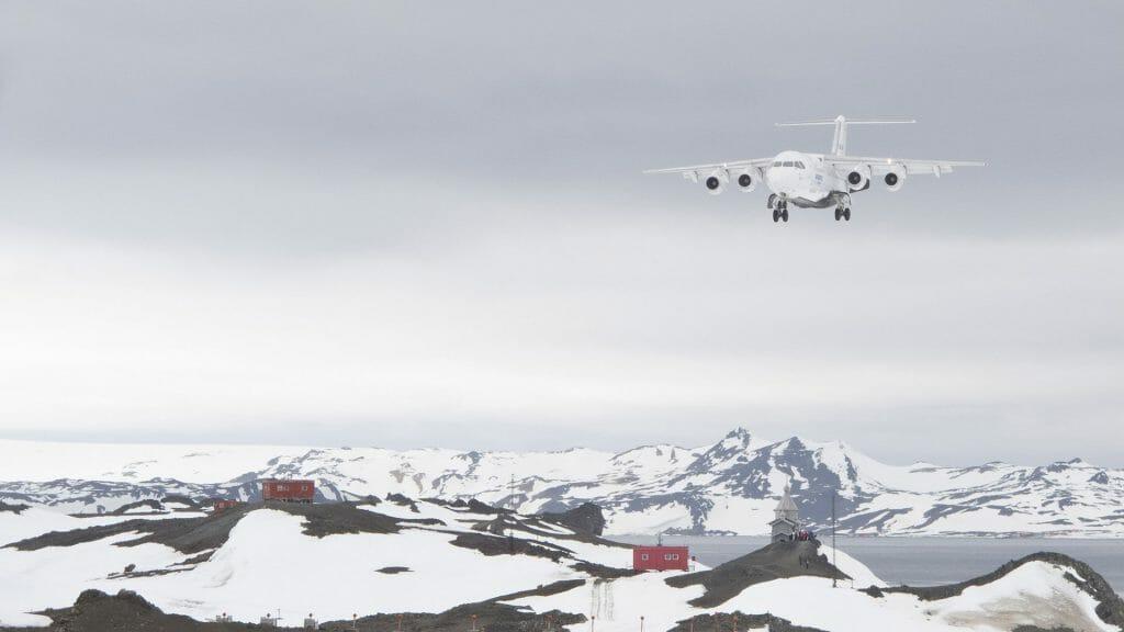 Flight landing on King George Island