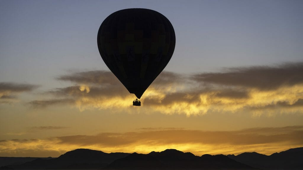 Balloon at dawn, Sossusvlei, Namibia