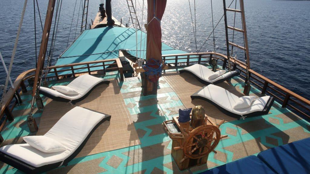 Deck, Tiger Blue, Komodo, Sri Lanka
