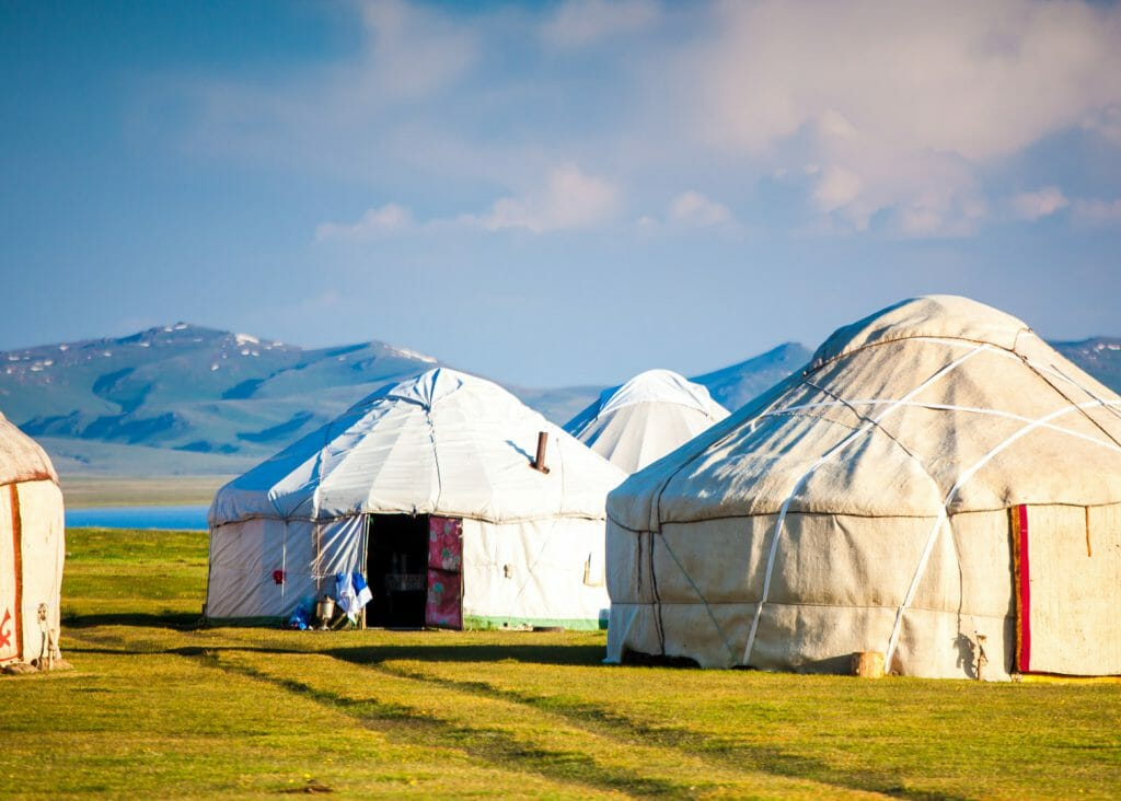 Traditional yurts, Song Kul, Tian Shan Mountains, Kyrgyzstan