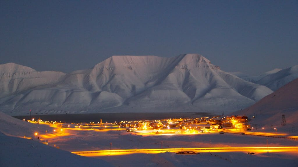 Longyearbyen by night, Spitsbergen