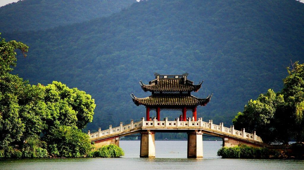 Pavillion Bridge at West Lake, Hangzhou, China