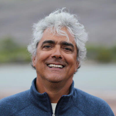 Roberto Plaza, Galapagos Islands guide